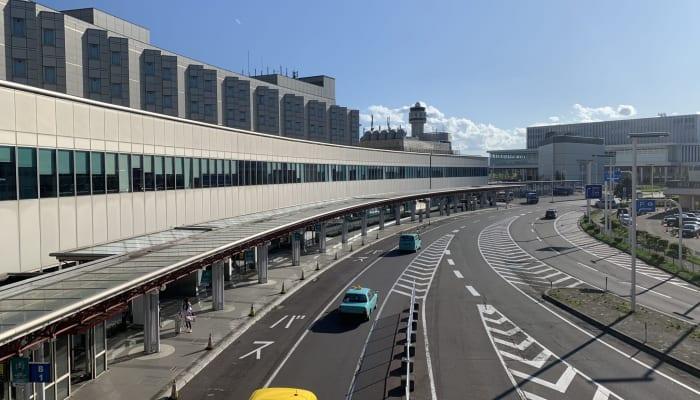 "<img src=""https://parkinggod.jp/parkinggod/new-chitose-airport/"" alt=""新千歳空港の駐車場"">"